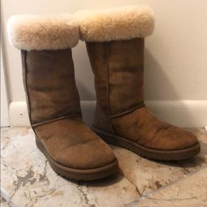 Tall Ugg boots, authentic sheep skin, worn twice.